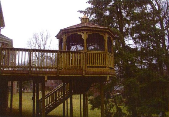 Deck and Gazebo Combination
